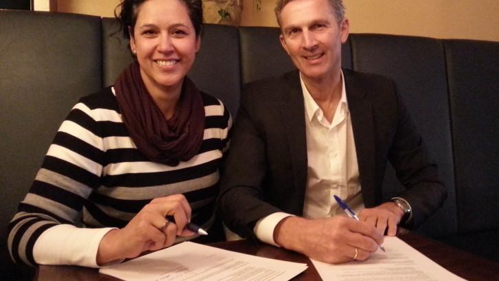 Unterzeichnung des Vertrages am 01.12.2014